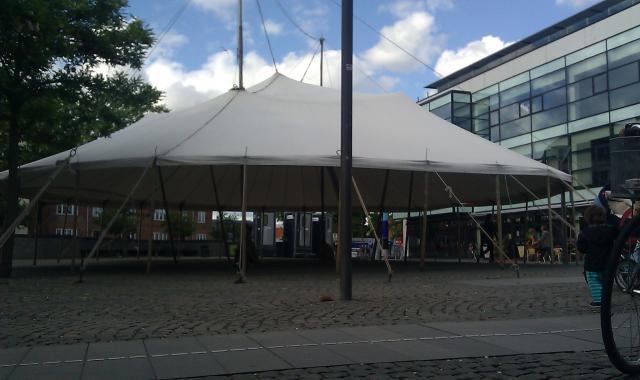 Telt scene på Vanløse Torv 14.6.2013